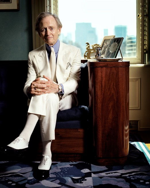 http://hoeltschi.com/files/gimgs/th-13_07_Tom Wolfe.jpg