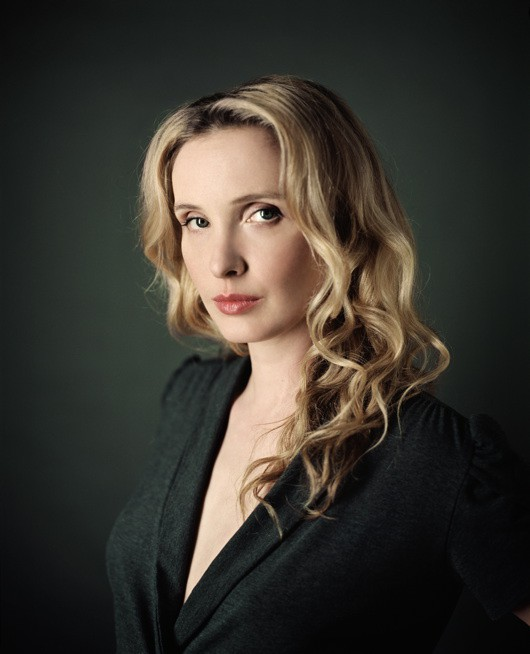 http://hoeltschi.com/files/gimgs/th-13_08_Julie Delpy.jpg