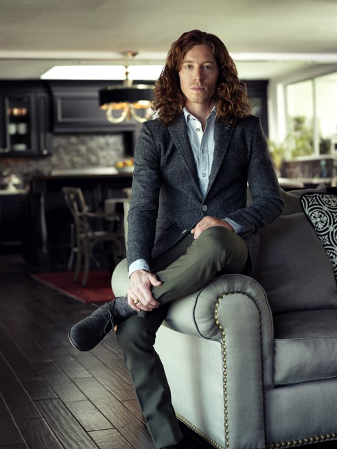 http://hoeltschi.com/files/gimgs/th-13_Shaun White_0005_v2.jpg